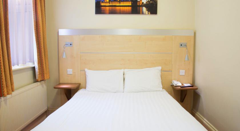 Group Booking Comfort Inn Victoria London