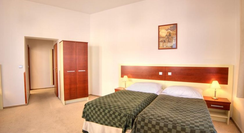 Group Booking Hotel Victoria