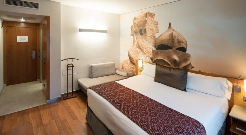 Group Booking Catalonia La Pedrera
