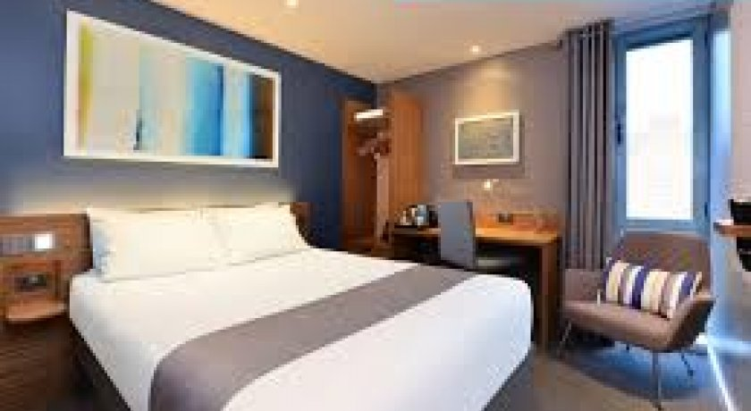 Group Booking Travelodge London Waterloo Hotel