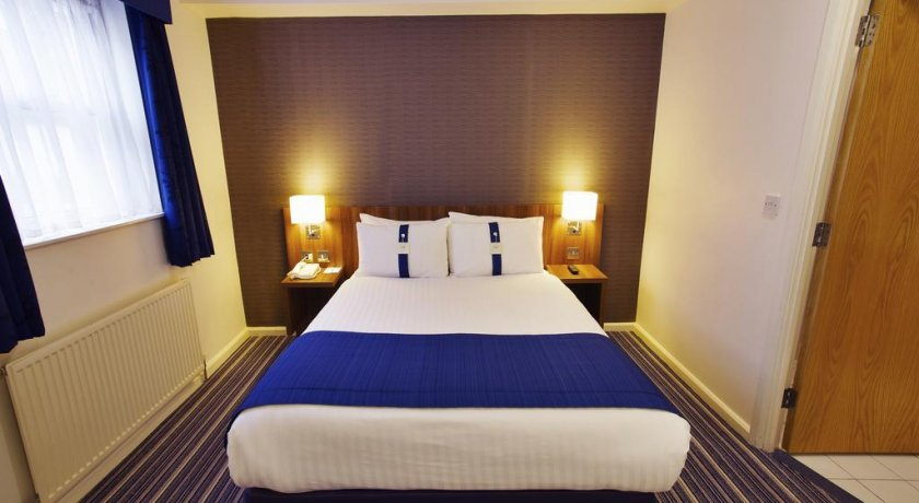 Group Booking Holiday Inn Express London - Victoria