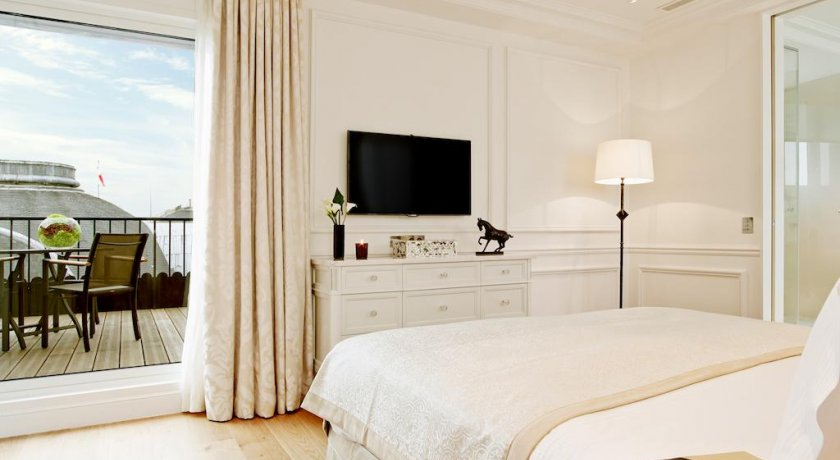 Group Booking Grand Hotel du Palais Royal